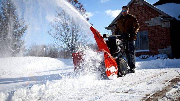 Какую снегоуборочную машину выбрать?